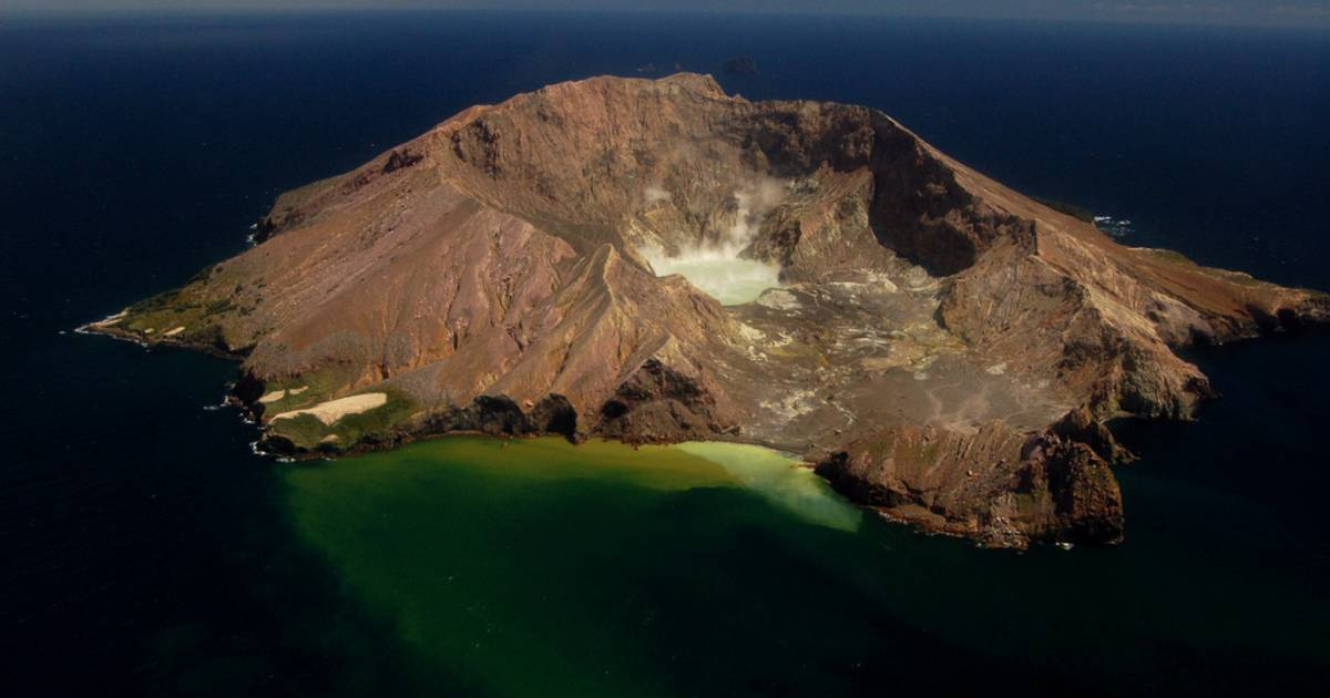 White Island Tour in New Zealand - Best Time