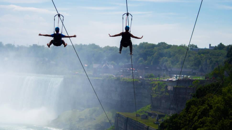 MistRider Zipline in Niagara Falls - Best Time