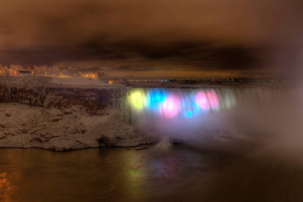 Best time for Winter Festival of Lights in Niagara Falls