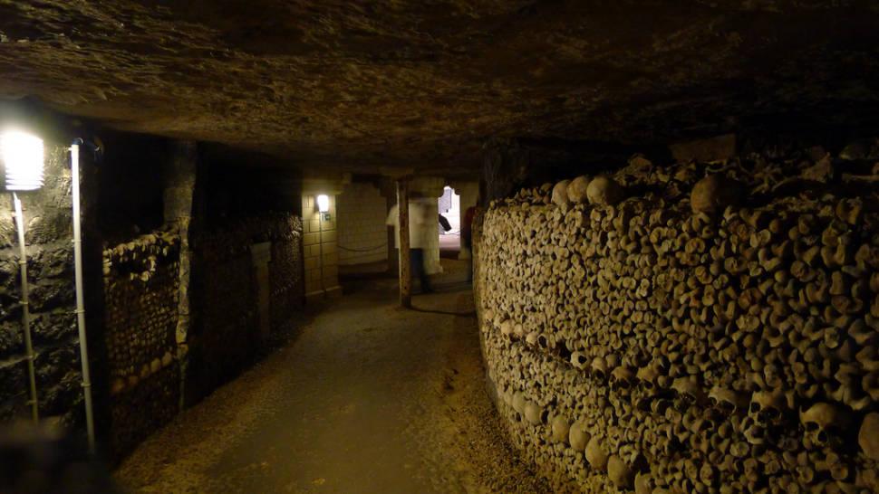 Catacombs: Shorter Waiting Time in Paris - Best Season