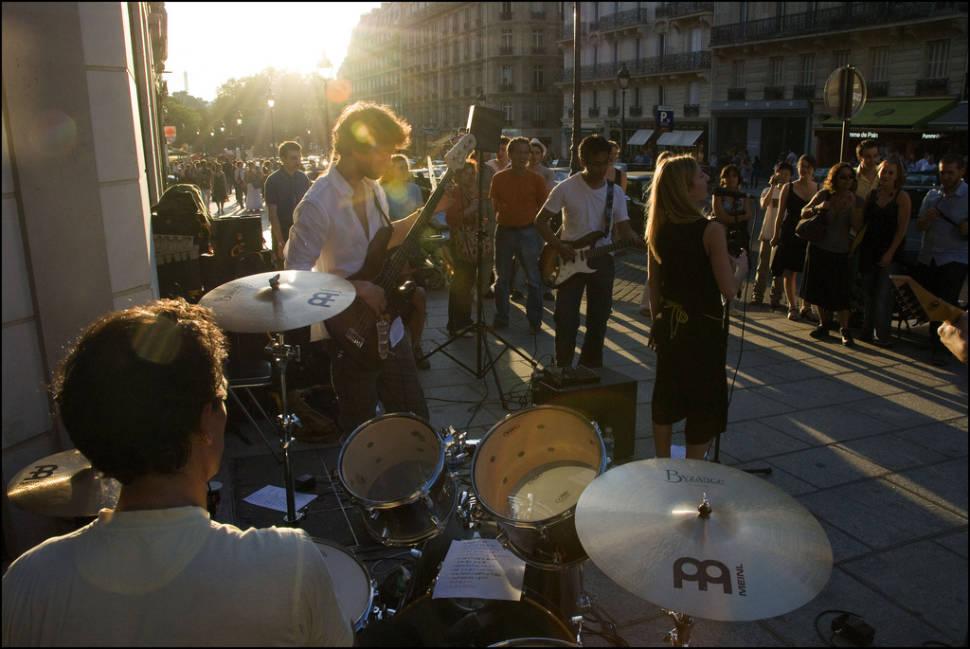 Best time to see Fête de la Musique in Paris