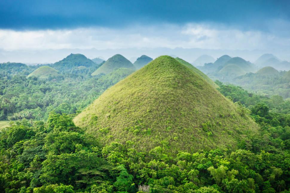 Chocolate Hills in Philippines - Best Season