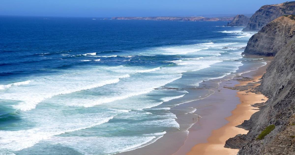 The Algarve Beaches in Portugal - Best Time