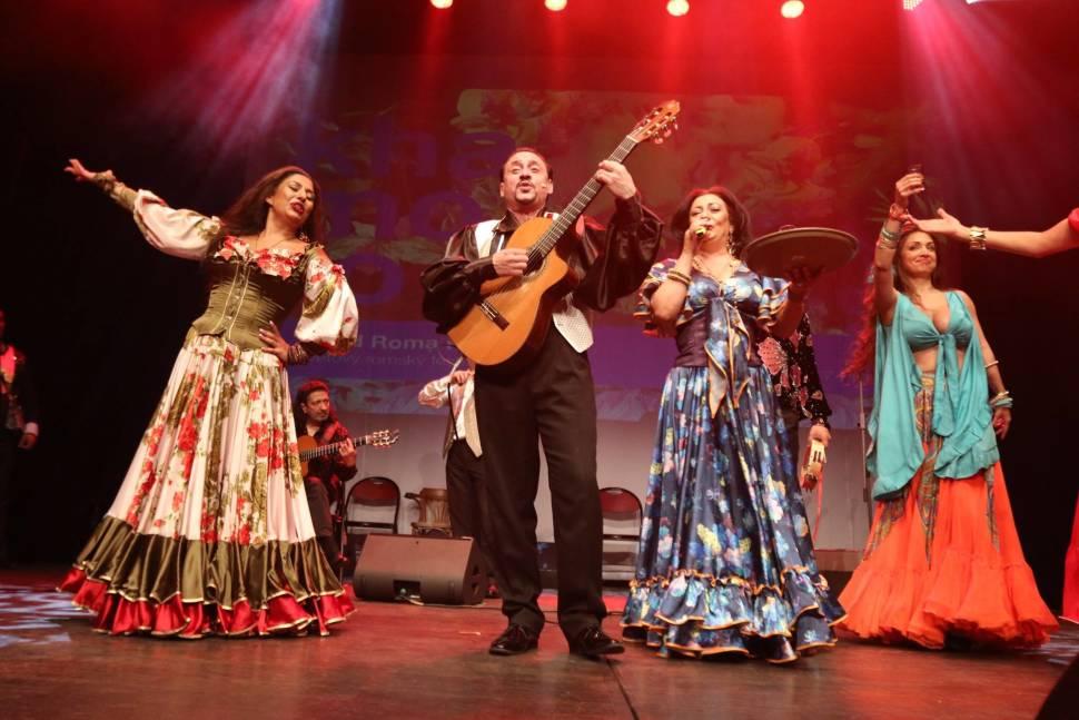 Best time for Khamoro Festival in Prague