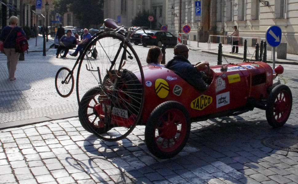Best time for Vintage Cabrio Tour in Prague