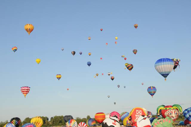 International Balloon Festival of Saint-Jean-sur-Richelieu in Quebec - Best Time