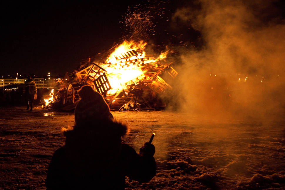 Best time for New Year's Bonfires in Reykjavik