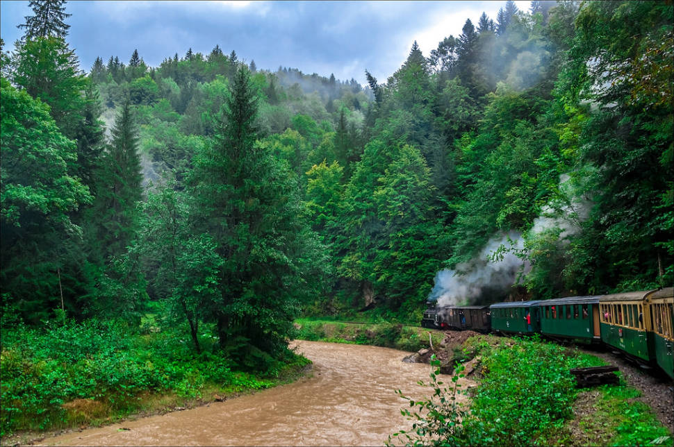 Steaming through the Vaser Valley
