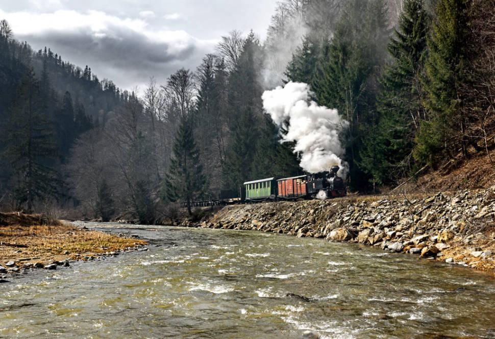 Best time for Mocăniţa Steam Train in Romania