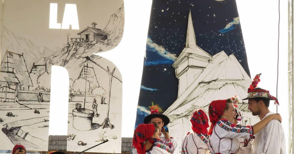 Prislop Pass Folk Festival in Romania - Best Time