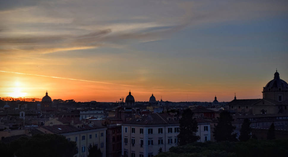 Best time to see Winter Sunsets in Rome