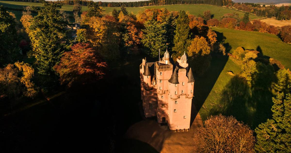 Autumnal Castles in Scotland - Best Time