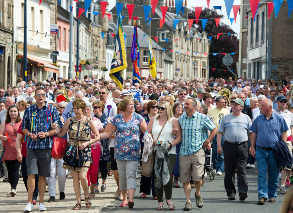 Selkirk Common Riding. Crowds parade into Selkirk town square