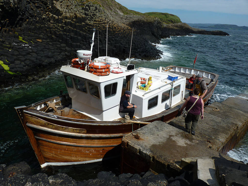 Boarding to Staffa pier