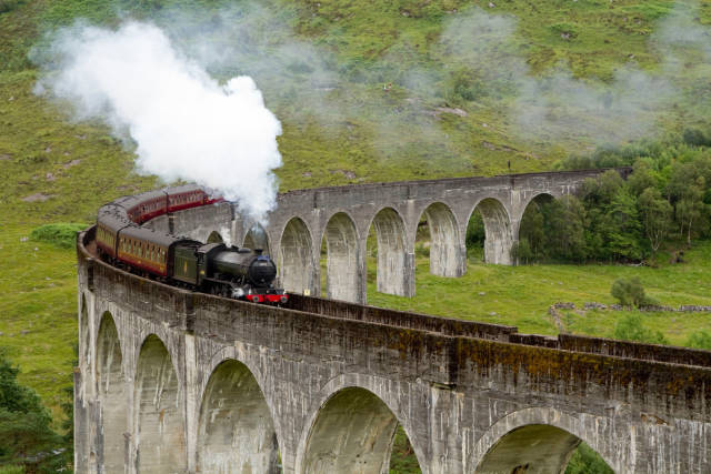 The Jacobite Steam Train in Scotland - Best Time