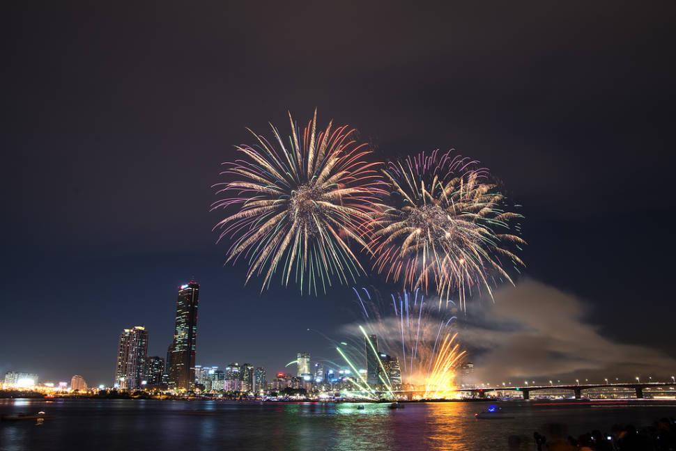 Seoul International Fireworks Festival in Seoul - Best Season
