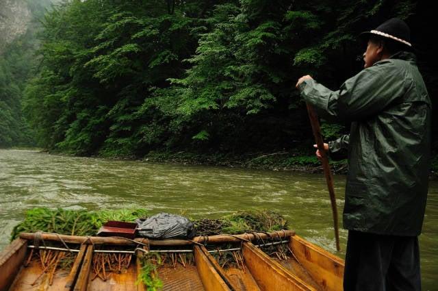 Wood Rafting on Dunajec River in Slovakia - Best Season