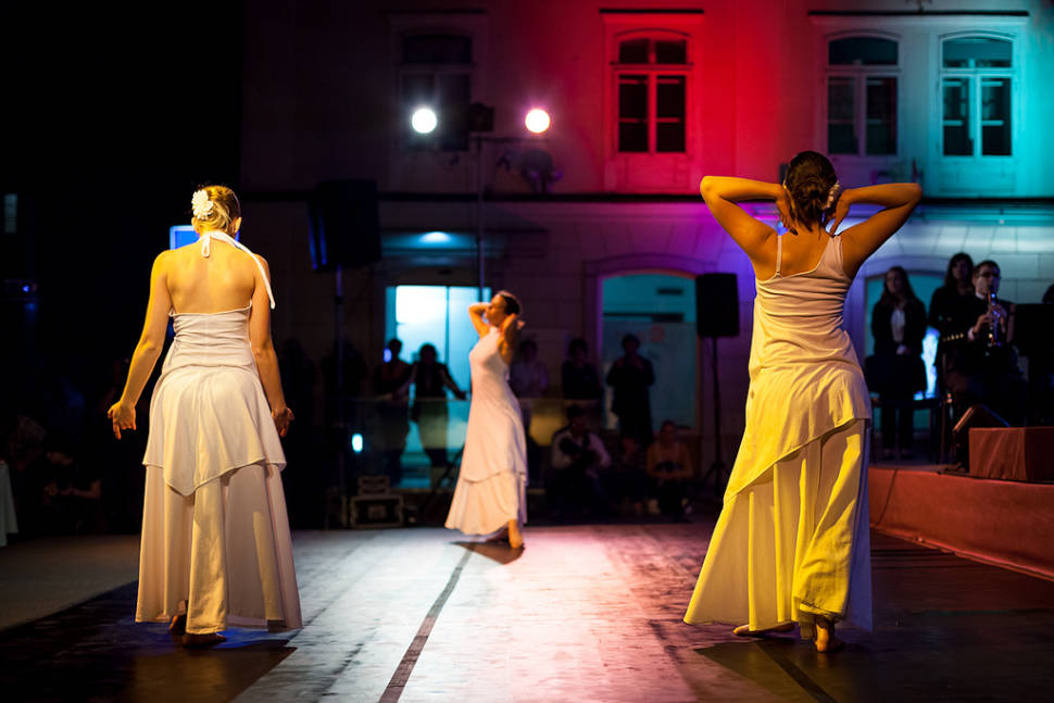 Dance performance at the Lace Festival
