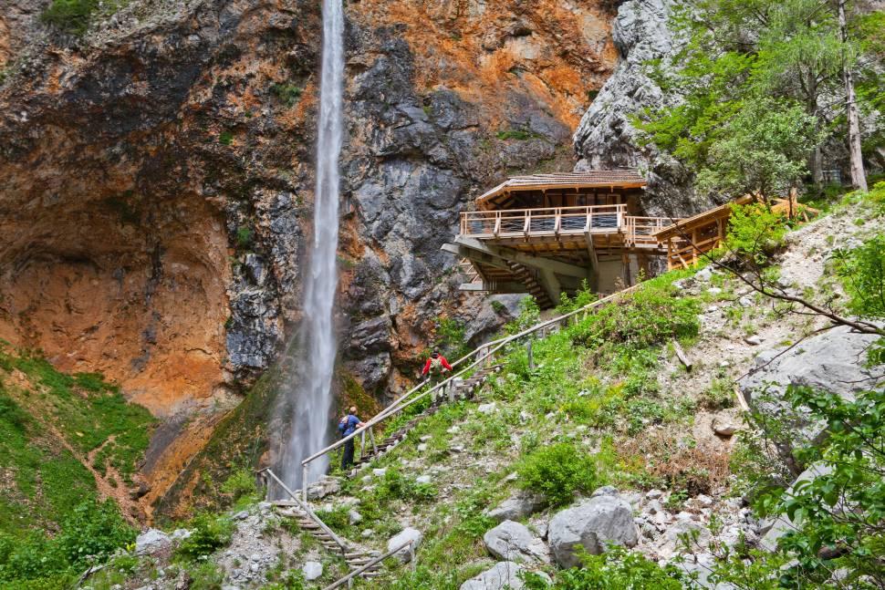 Rinka Waterfall