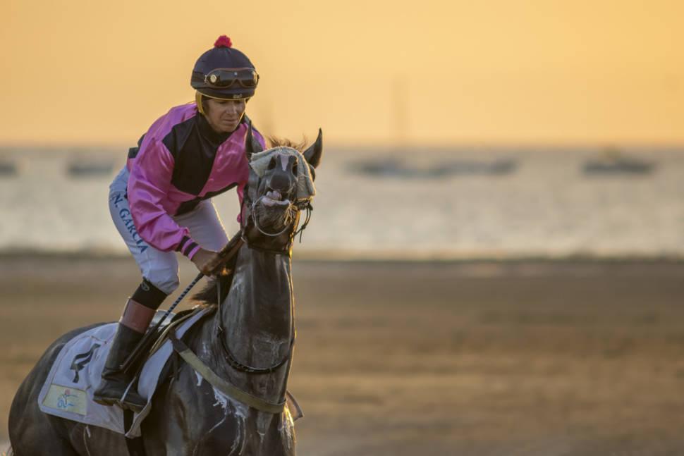 Best time for Sanlúcar Horse Racing in Spain