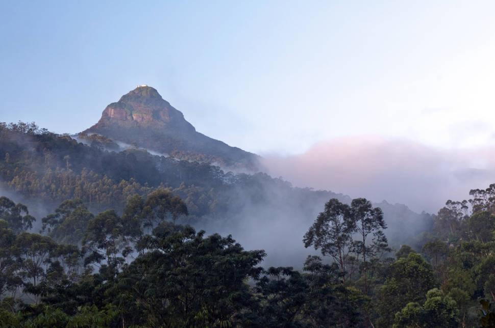 Adam's Peak Pilgrimage in Sri Lanka - Best Time