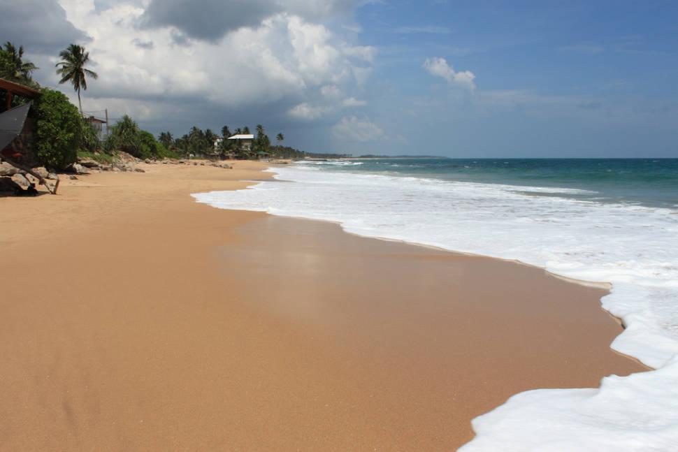 Beach Season on East Coast in Sri Lanka - Best Season