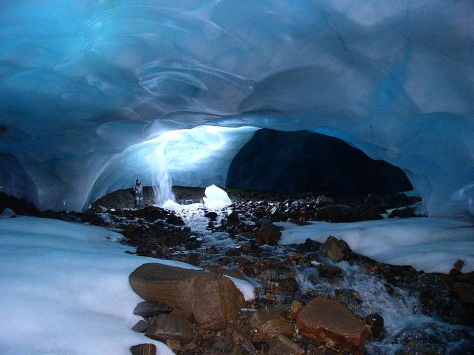 Best time for Ice Caving in Svalbard