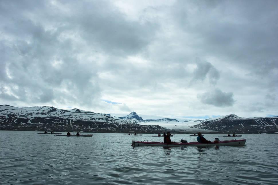 Kayaking around Ekmanfjord