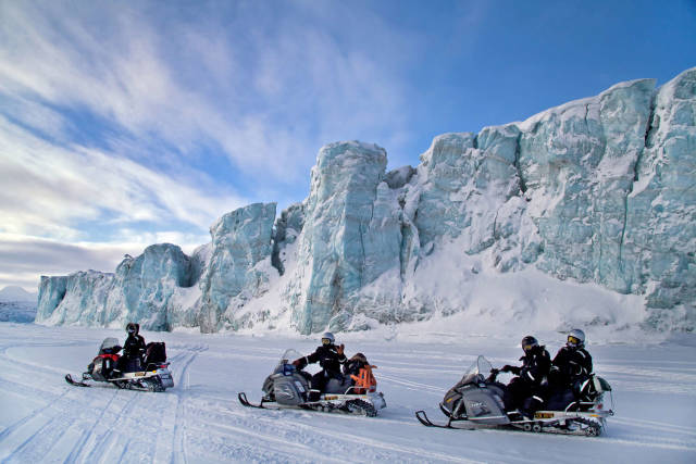 Snowmobiling  in Svalbard - Best Time