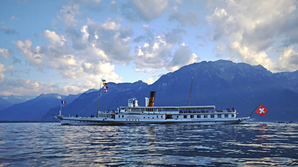 Lac Léman or Lake Geneva Cruise in Switzerland - Best Time