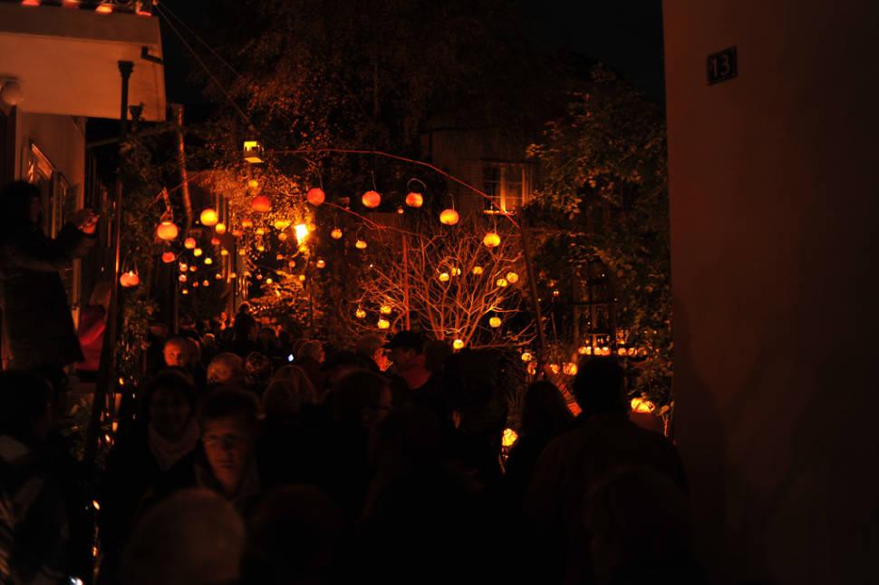 Räbechilbi: Gourd-Lantern Parade in Richterswil in Switzerland - Best Season
