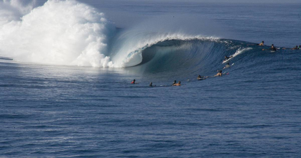 Surfing in Tahiti - Best Time