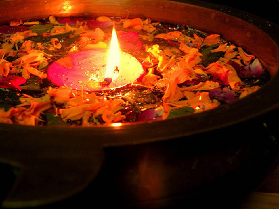 Diwali, Festival of Lights in Taj Mahal and Agra  - Best Season
