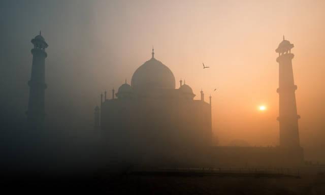Sunrise and Sunset near Taj Mahal in Taj Mahal and Agra  - Best Season