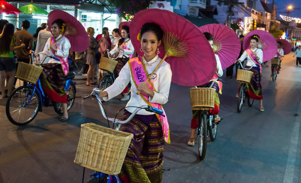 Bo Sang Umbrella Festival in Thailand - Best Time