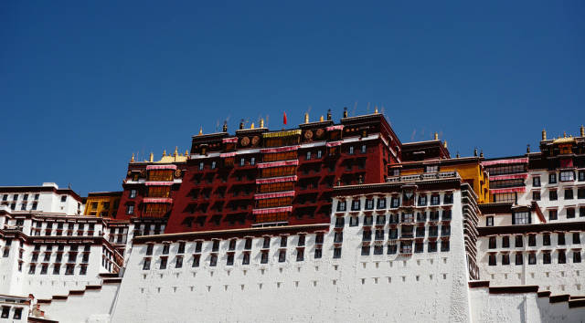 Potala Palace in Tibet - Best Season