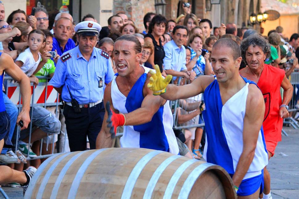 Best time for Bravio delle Botti in Tuscany