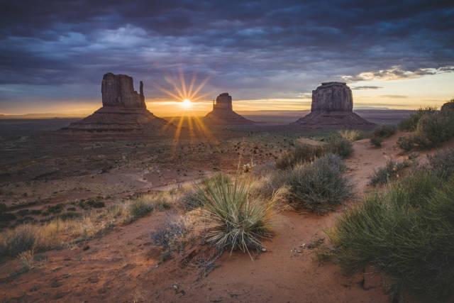 Sunrise Over Monument Valley in Utah - Best Time
