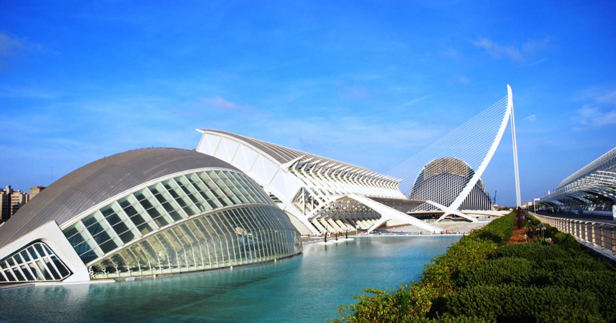 Warm and Dry Season in Valencia - Best Time
