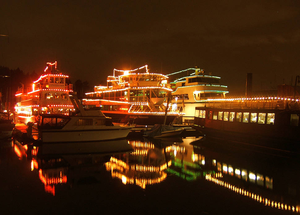 carol ships parade of lights in vancouver best time