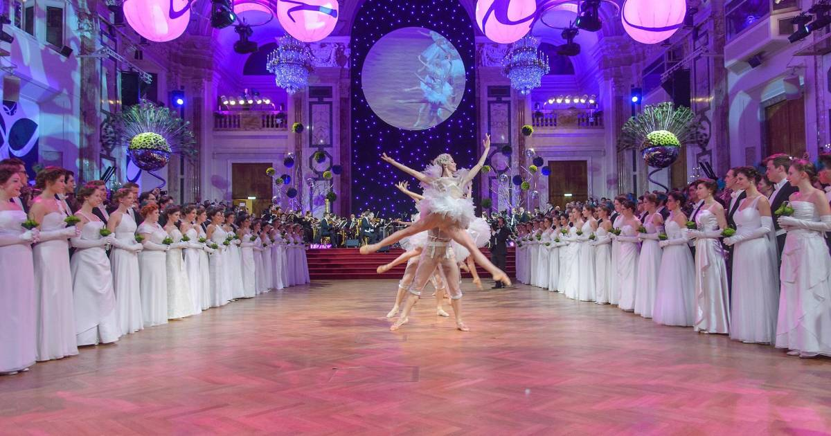Hofburg Silvester Ball in Vienna - Best Time
