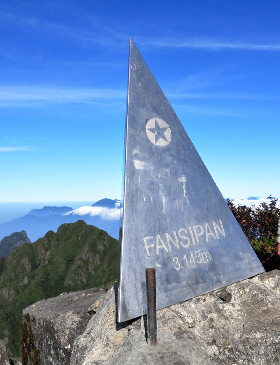 Best time for Conquering Fansipan in Vietnam