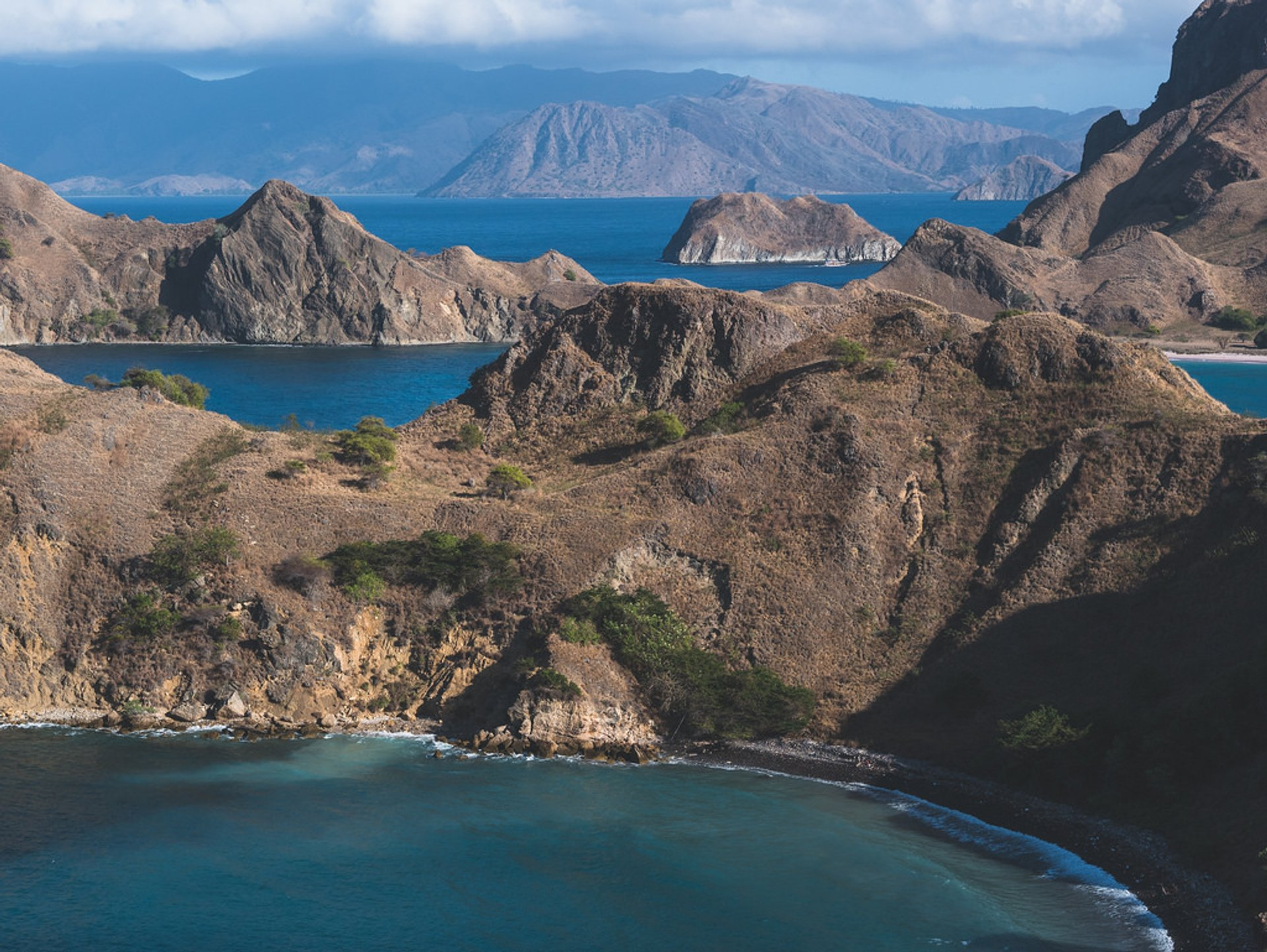Best time for Padar Island in Indonesia 2020