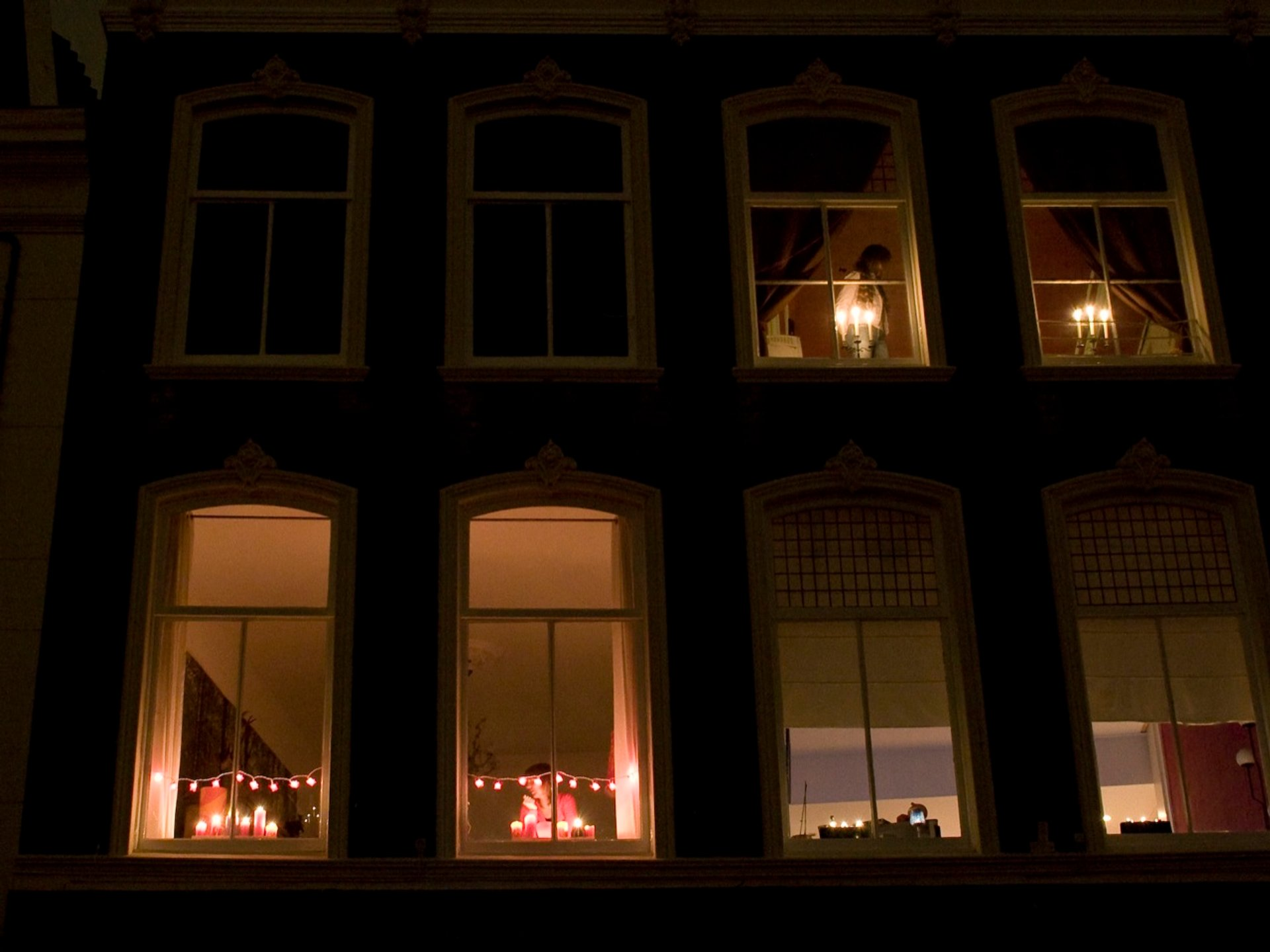 Candle lights over the central square of Gouda 2020