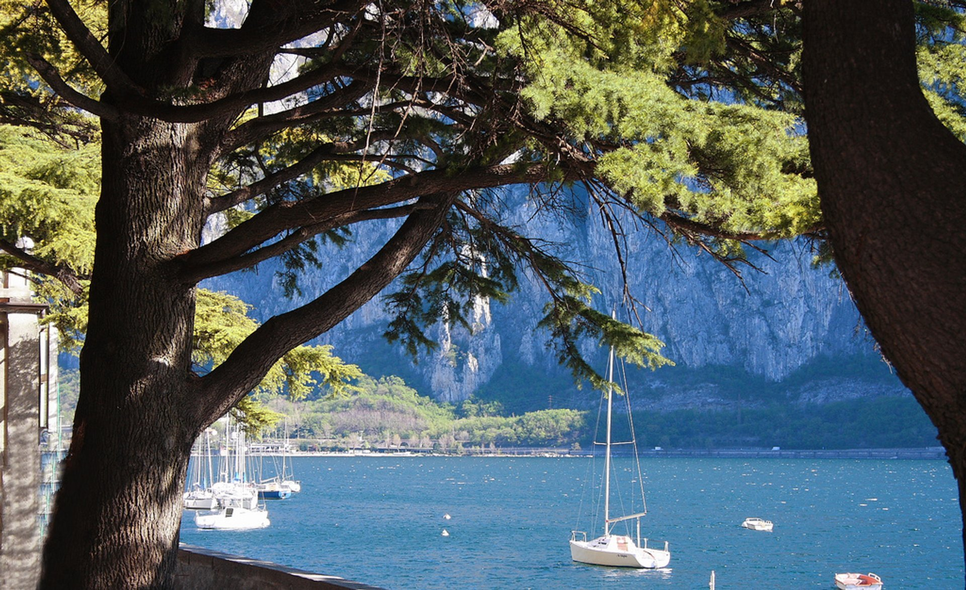 Best time to see Lake Como Holidays in Milan 2019
