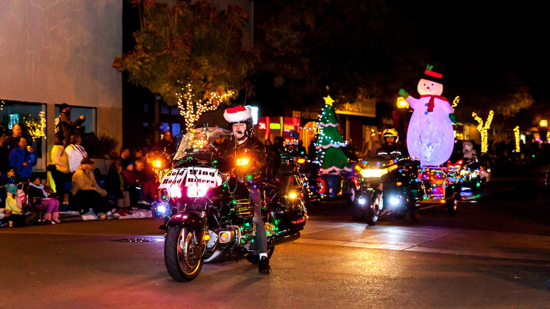 Los Altos Festival of Lights Parade in California - Best Season 2020