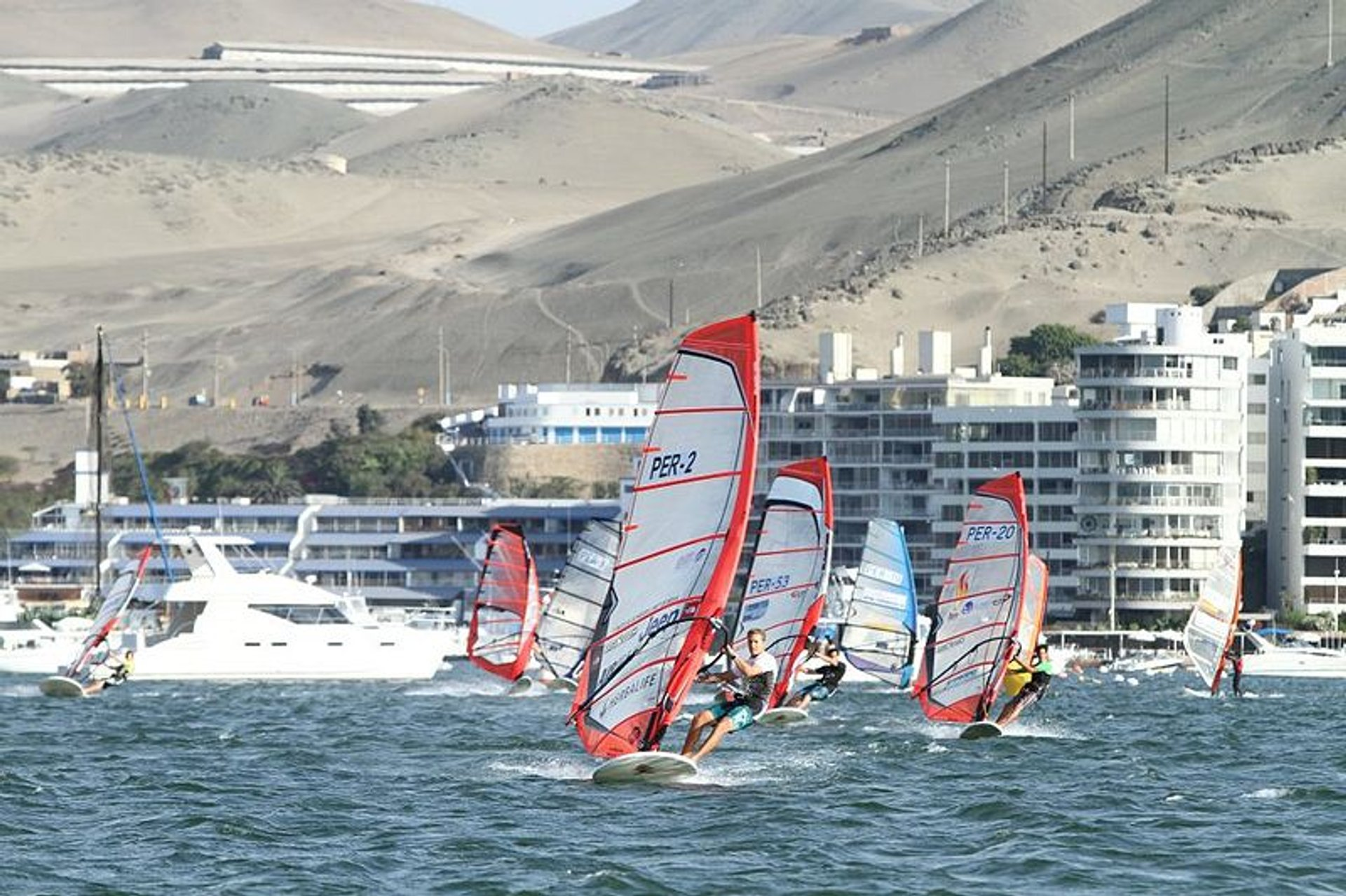 Kitesurfing and Windsurfing in Peru - Best Season 2020