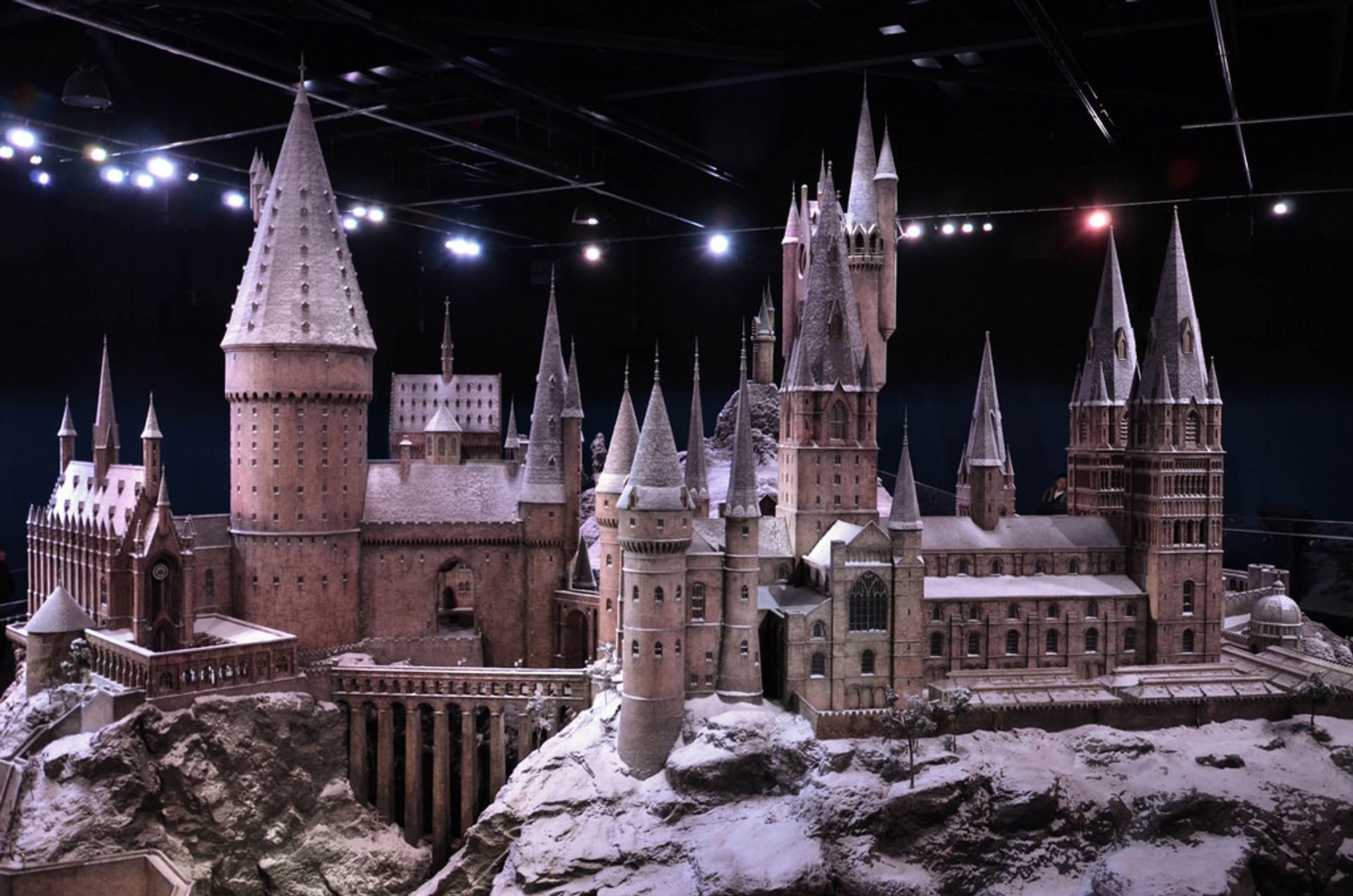 Hogwarts in the Snow in London 2020 - Best Time