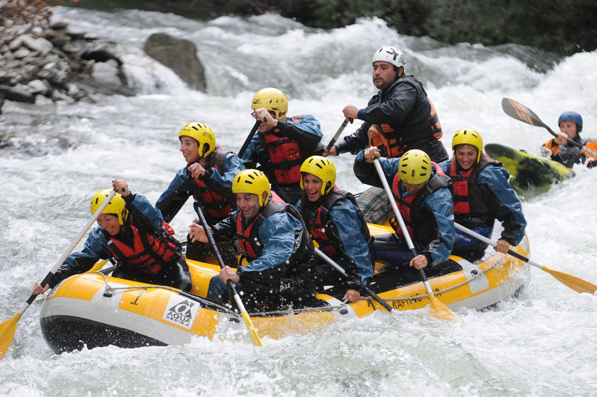 White Water Rafting in Spain - Best Season 2020