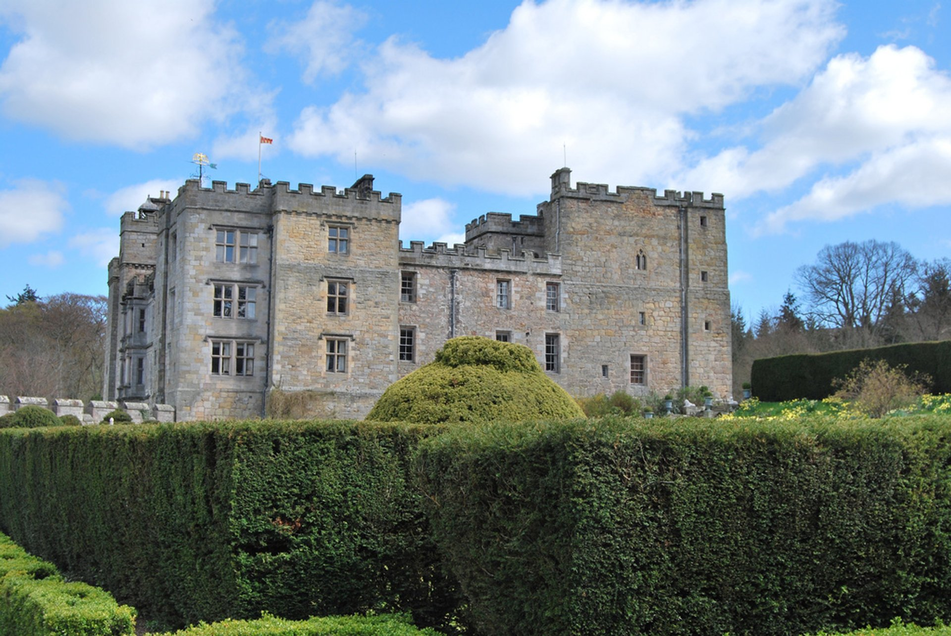 Chillingham Castle in England - Best Season 2020